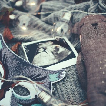 10 Scriptures for Fighting Fear in Pregnancy