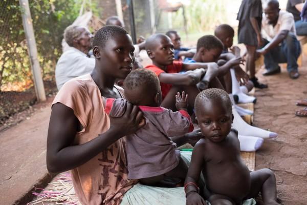 20150316_uganda-jigger-clinic_0356